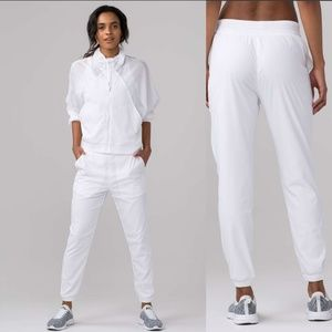 Lululemon In Depth Joggers in White